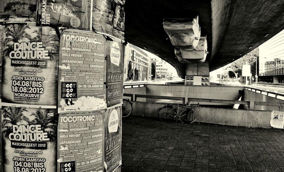 Hanging cars 02 Black & White Bridge Cars City, Cityscapes Street Street Photography Transportation