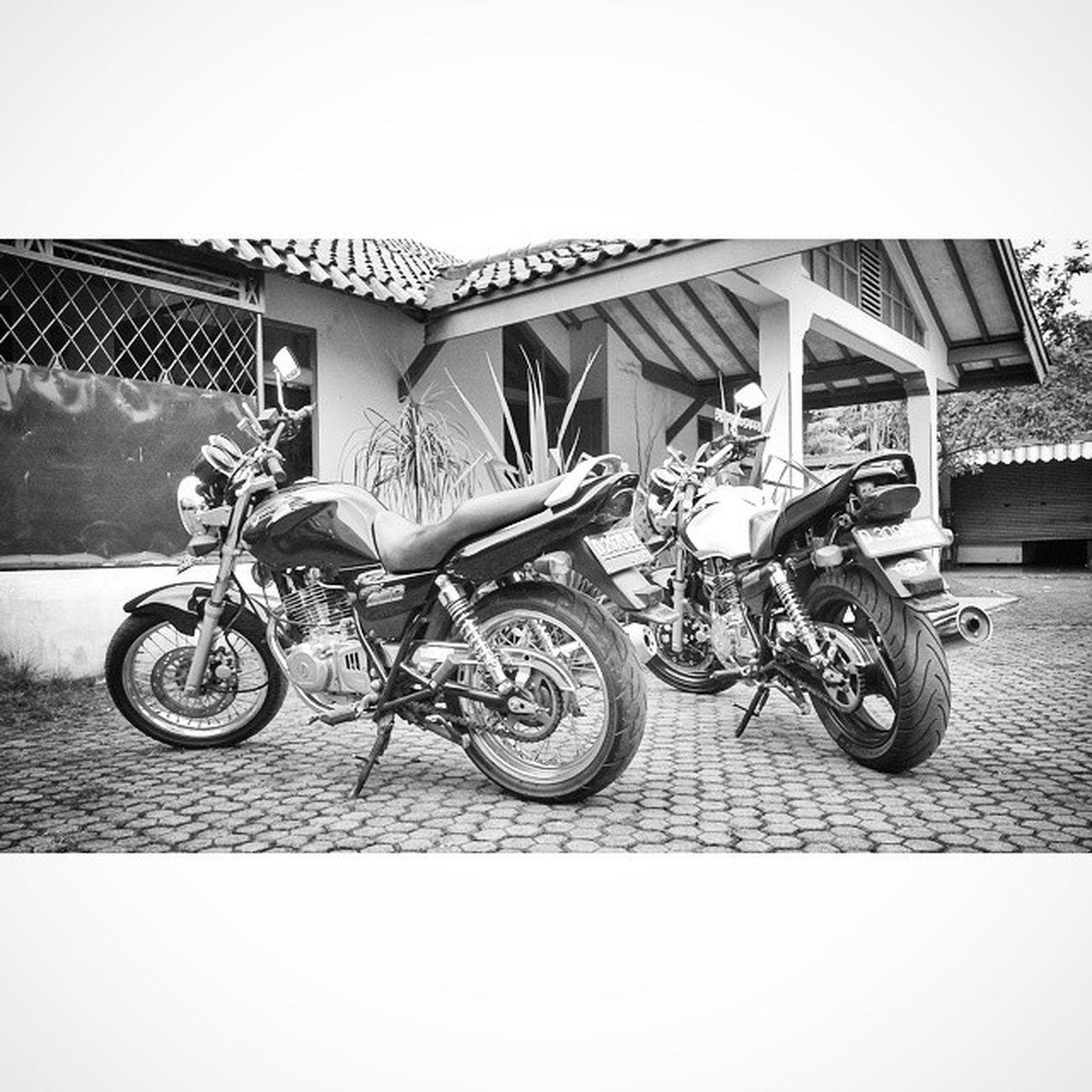 Gsx250 Suzuki Motorcycle Bw blackandwhite