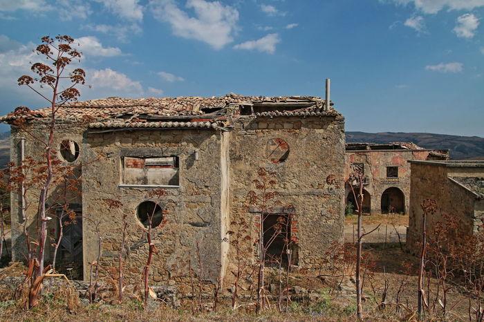 borgo giuliano Abbandono Bad Condition Building Exterior Damaged Deterioration Obsolete Old Outdoors Periodo Fascista The Past 524