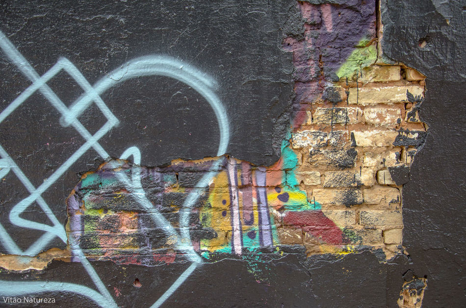Graffiti Creativity Art Streetphotography Grafitti Streetart Photography HipHop Photoart Nikonphotography Fotografiaderua Victornatureza Vitaonatureza Olharnatural Poeticadacidade Artefotografia Hiphopemaçao Universodacor