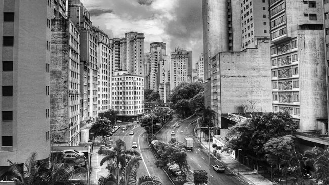 Building Exterior Built Structure Architecture City City Street City Life High Angle View Fantastic View Week Of Eyeem Blackandwhitephotography Black And White Photography Sao Paulo - Brazil