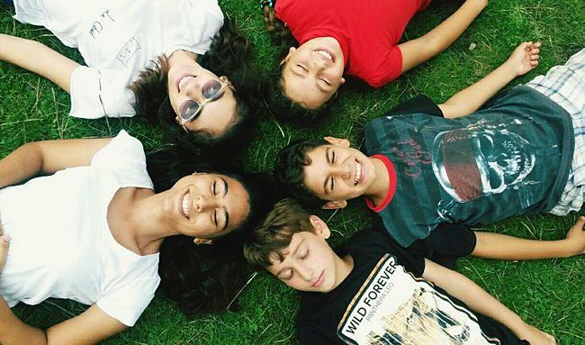 First Eyeem Photo Family❤ Cousins ❤ Sunny Day GoodTimes Boztepe Ordu TURKEY Smile HappynessMy Big Happy Lovely Family 💙💜💛💚💝