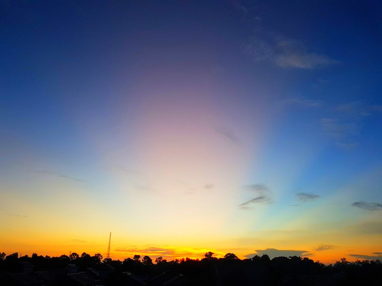 S7 Edge Photography Samsung Galaxy S7 Edge Gold Colored Beauty In Nature Scenics Rural Scene Dramatic Sky Tranquility Silhouette Landscape Landscape_Collection Nature Cloud - Sky Outdoors Sky Sun Beauty Day Sunrise... Sunrise_Collection Morning Sky Morning View Sunrise Sunrise Silhouette Morning Sun