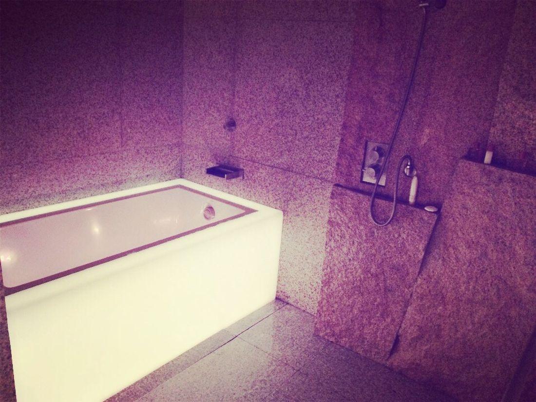 Love iiiiiiit Bathtub Ice Block Beautiful Surprise