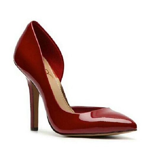 Photo a day challenge - day 11 Red @hautelook Hlphotoaday I got this BCBG Paris haze Pump from dsw and cant wait to dress it up in my leather pleat dress by cynthiaSteffe from hautelook. shoes shoelovers iloveshoes clothes @dswshoelovers designer
