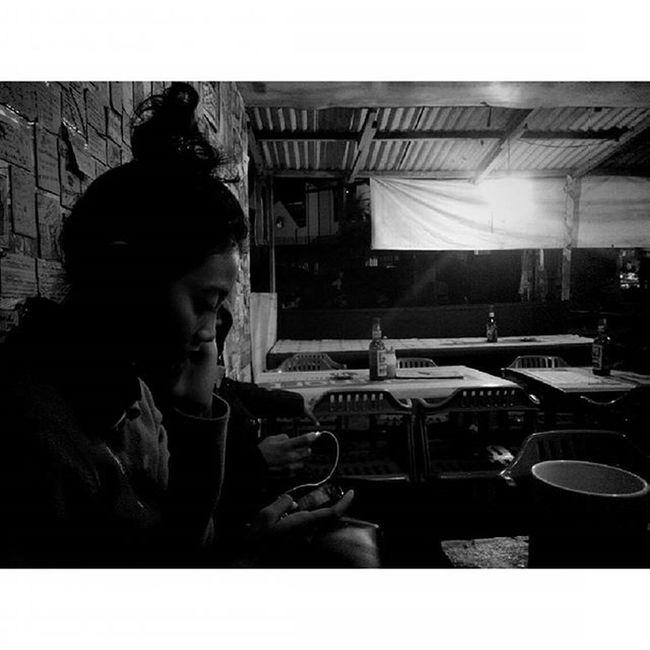 """aku tak mengerti bahasamu... berikan musikmu...akan ku dengarkan ceritamu"" Katakata Warkoparjoena Warkop Cikutra Bojongkoneng Lenovotography Blackandwhite Bandung Photostory Pocketphotography Lzybstrd"