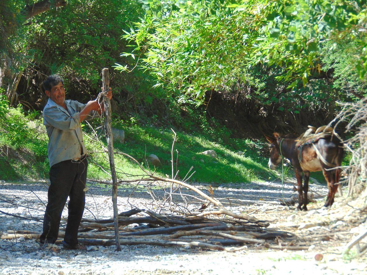 Town life is hard ...What do you think about this ?Mexico Una Mirada Al Mundo Puebla México Puebla De Zaragoza TOWNSCAPE Pueblos Originarios Pueblos De Mexico Barranco Barranca