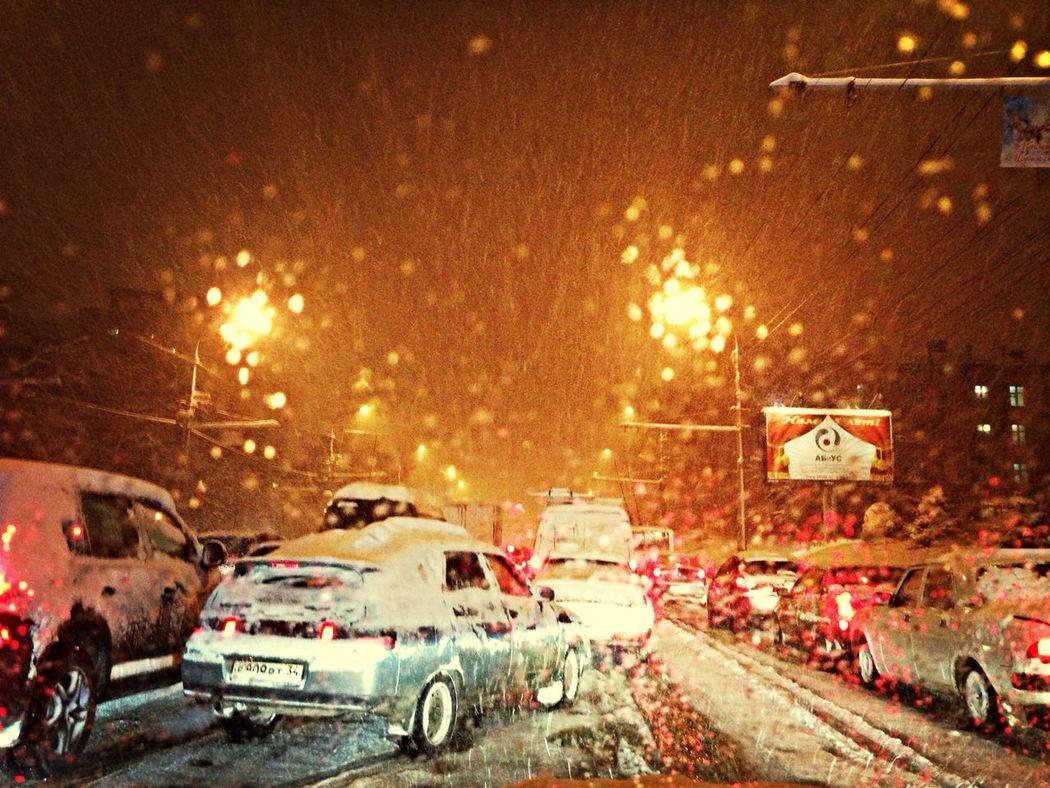 Ужасные пробки! Неожиданно в декабре пошел снег))))