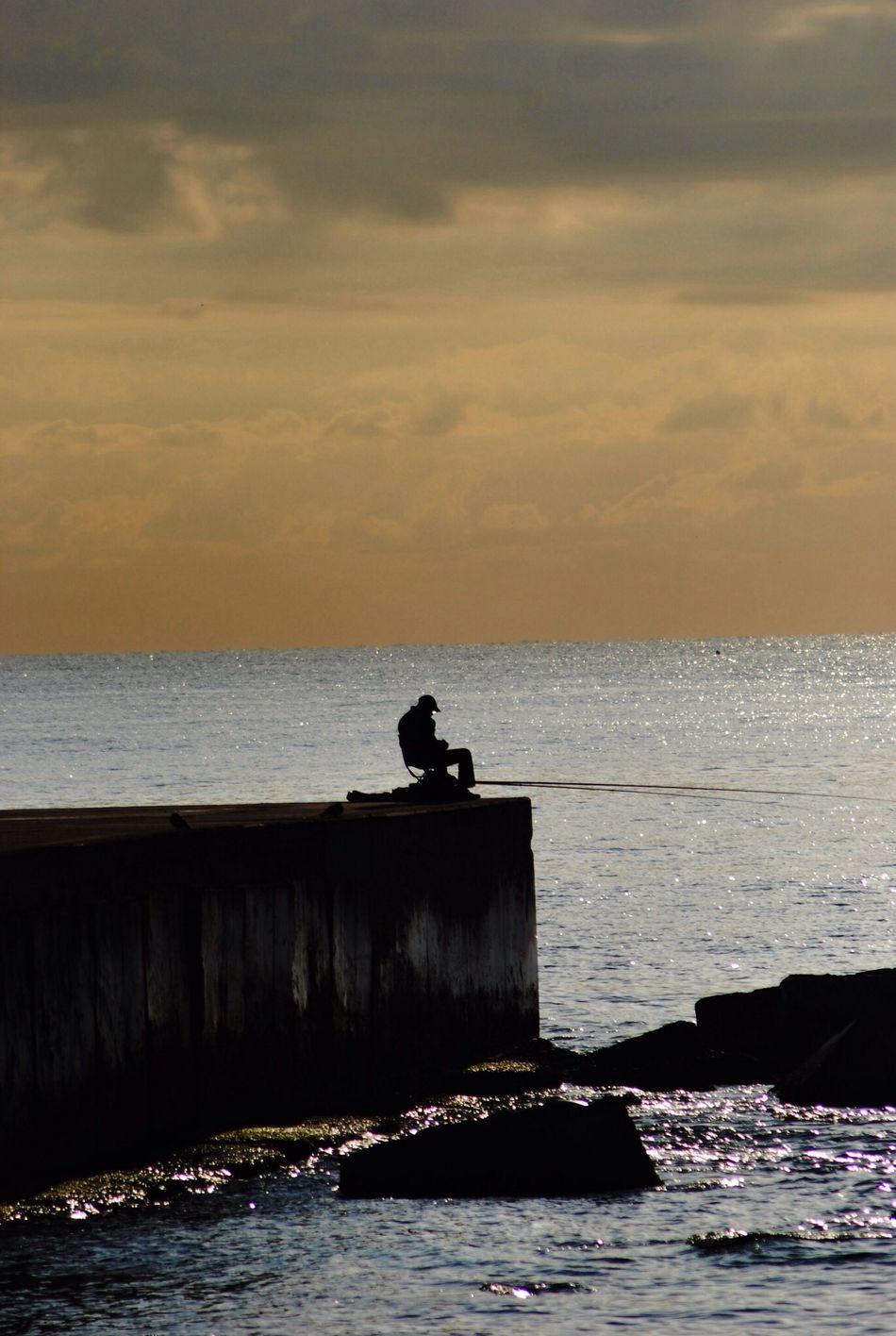 Fishing & Sleeping Amanecer