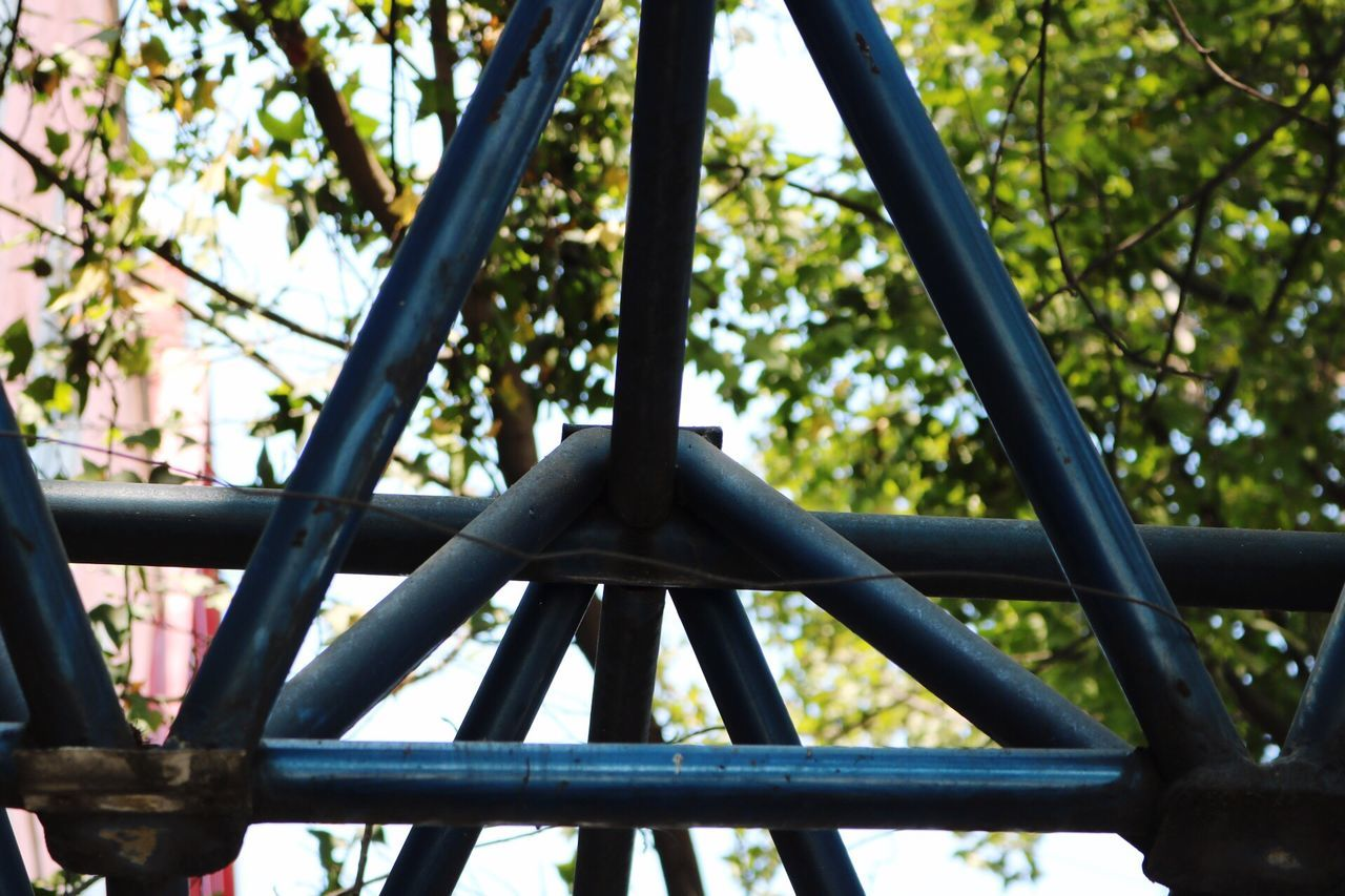 Triangles Hanging Low Angle View Outdoors Tree Day Contemporary Structure Walking Around Built Structure Picoftheday Tubes Focus