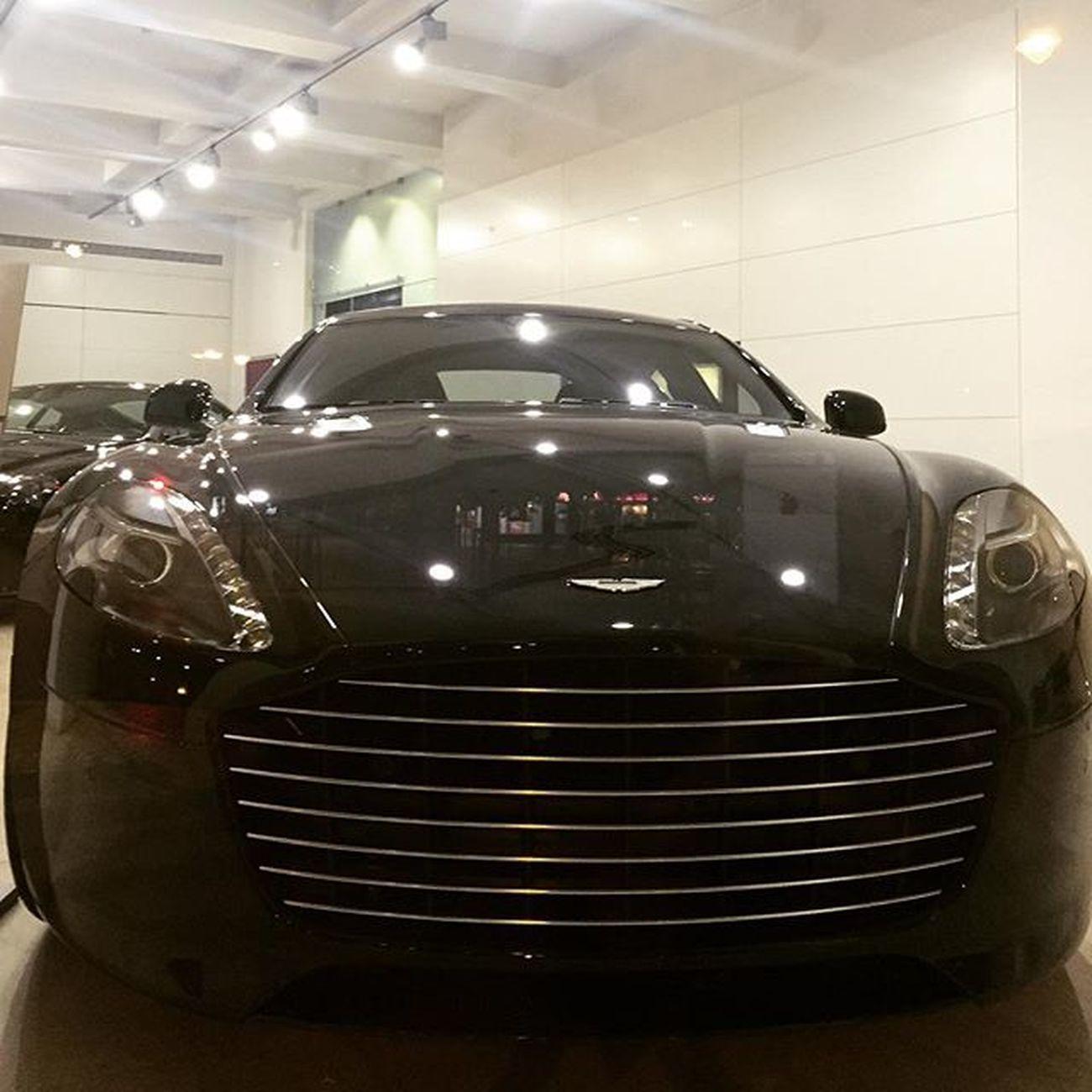 Aston Showmeyourteeth Smile Astonmartin