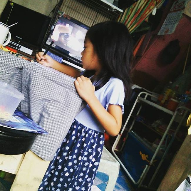 """Her: """"Mommy, look!"""" Me: *stared at the drawing* """"Wow! That's great baby!"""" Her: """"Mommy, not baby. Big na ko o, see?"""" Me: """"Ay, sorry po ATE!"""" Having these conversations with my little vampire makes me soooo love her but at the same time makes me scared. Scared of her growing up without me. Geez! A random thought in this kind of fuckin' weather. Motherhood Mothersfear Motheranddaughtertime Sundaybonding"""