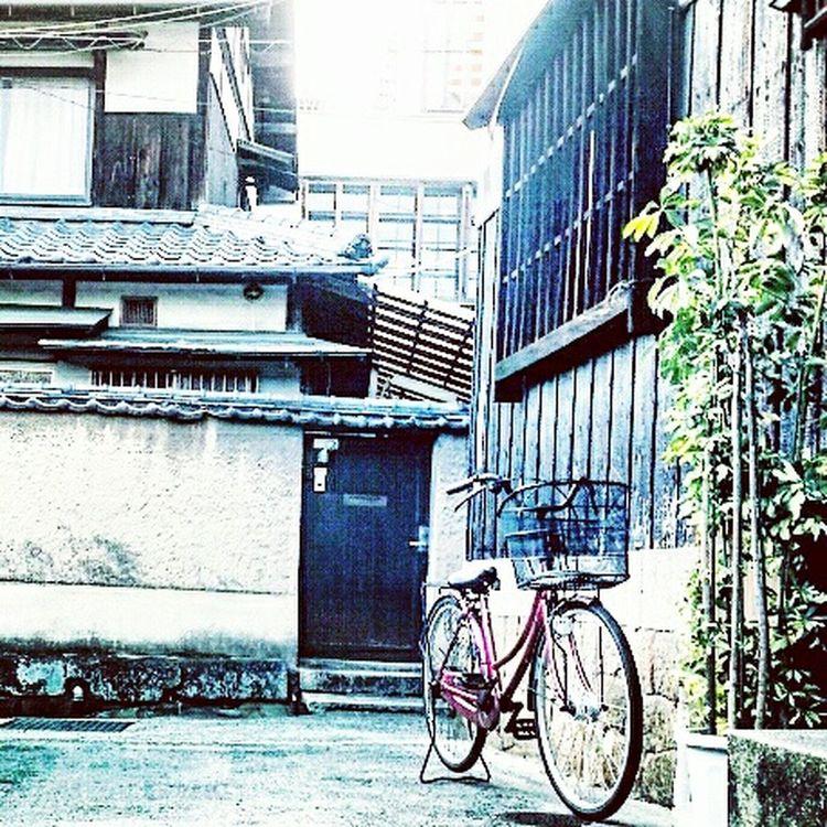 Architecture Bicycle View Scenics Kurashiki EyeEm Best Shots EyeEm Best Edits Creative EyeEmNewHere Japen Past Road Alley Way Bike Mood Kurosaki EyeEmNewHere