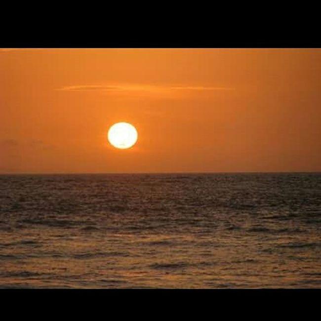 Sunset in sengiggi beach Photography Takebyasus Shadow Lombokexplore Lombok Traveling Travel Trip Nature Natural Explore Explorer Wonderful_location Light Lomboknesia