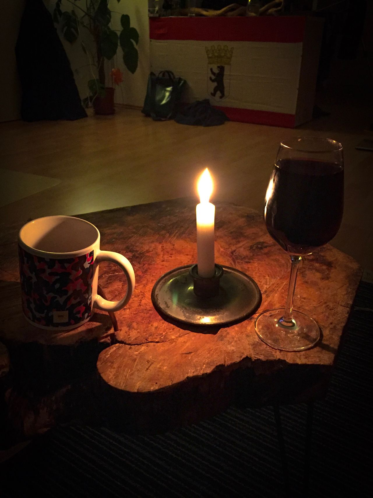 Home Interior Table Indoors  Candle Illuminated Dark Freshness No People Burning Flame Night Close-up Ready-to-eat Berlin Flag Vine