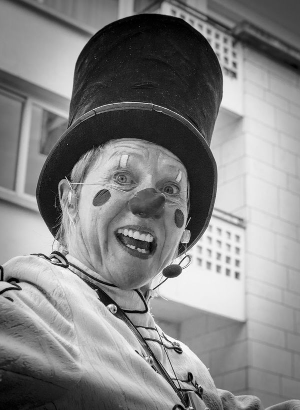 Mme Clown Bnw_friday_eyeemchallenge Bw_collection Portrait Streetphoto_bw