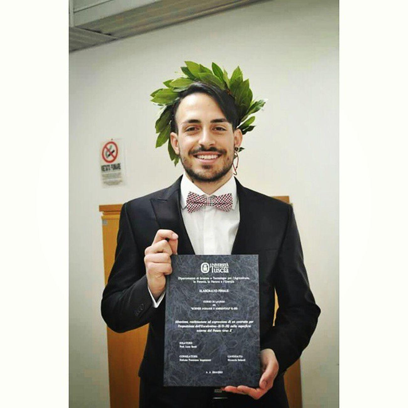 Agronomist, with honors Laurea Graduation Dottore 110elode Lodè Honors Ideazione Realizzazione ed Espressione di un Costrutto per l'Esposizione dell'Esculentina -1b (1-18) sulla Superfície Esterna del PVX