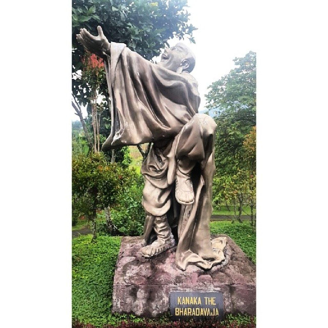 Shi ba ge lou han 18 dewa Arahat Gardenia in Tomohon INDONESIA God Buddha Buddhist 2014.05.11
