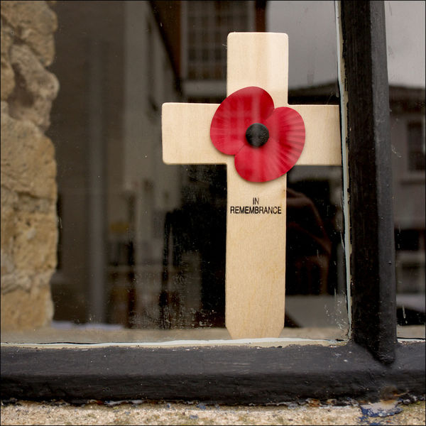 Honouring The Dead Lest We Forget November 11th Remembrancepoppy Tradition Ww1 Ww2