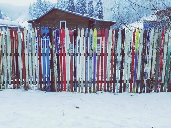 Taking Photos Fence Ski Winter Wintertime Arhitecture The Architect - 2016 EyeEm Awards Art Is Everywhere Winter Wonderland Winterwonderland Winterscapes Winter_collection Winter Sky Winter Morning House Houses Sky Fences Fences & Beyond Fence Photography Fencepost Fence Art Fenceporn Fenceline Fence Line