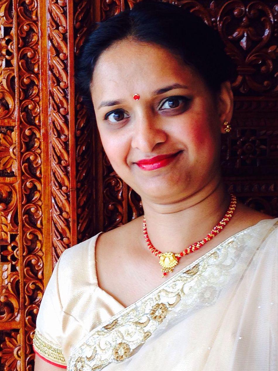 The Portraitist - 2016 EyeEm Awards Indian Saree Indian Dress ♡ Indian Woman Indian Wedding Indian Portrait Wedding Dress Natural Light Portrait
