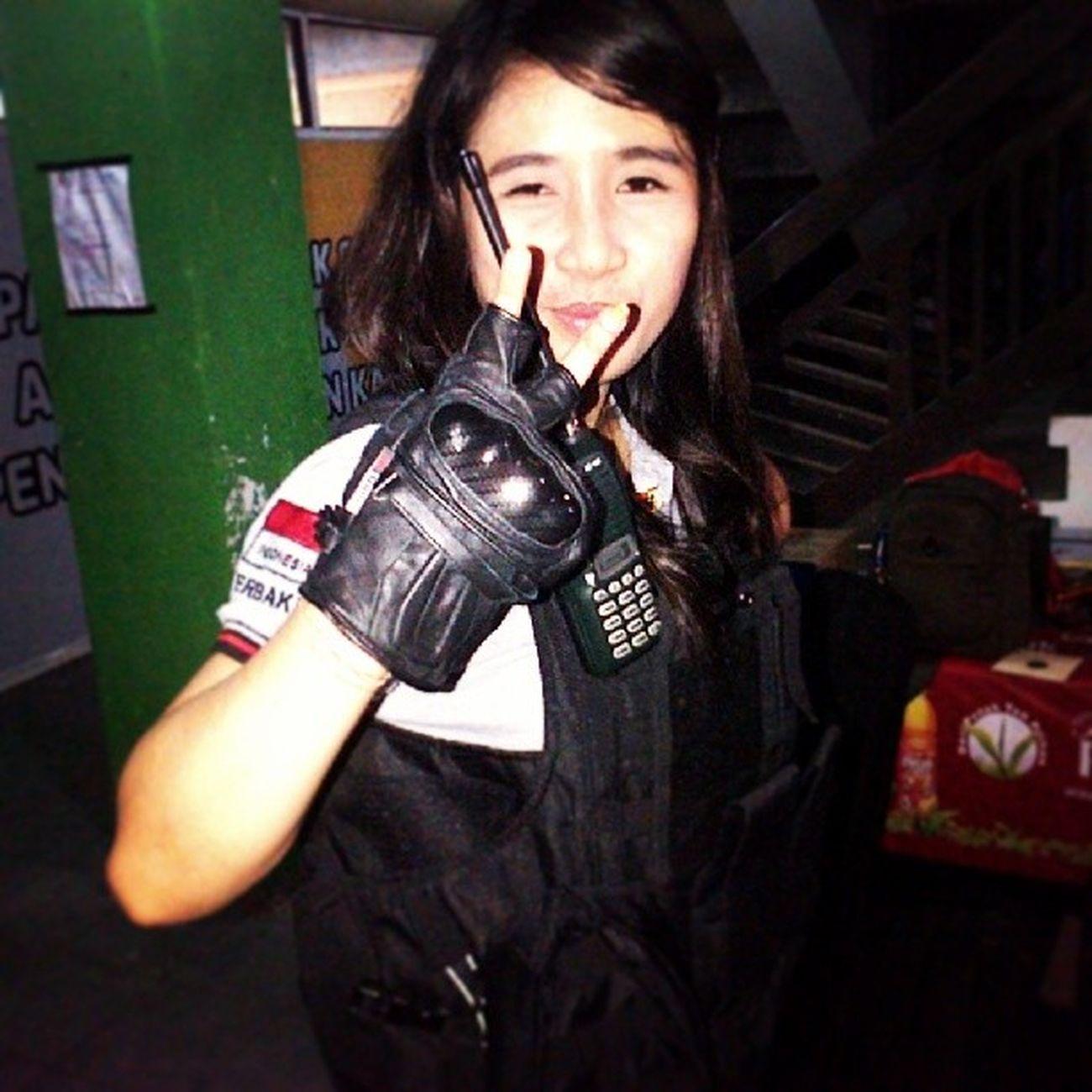 Me .. Ready for Skirmis :-D *kidding .. cuma Cosplay aja sambil nunggu anak bimbingan latihan menembak di Lapangan perbakin pengda kalimantantengah .. .. Bravo CBSC !!