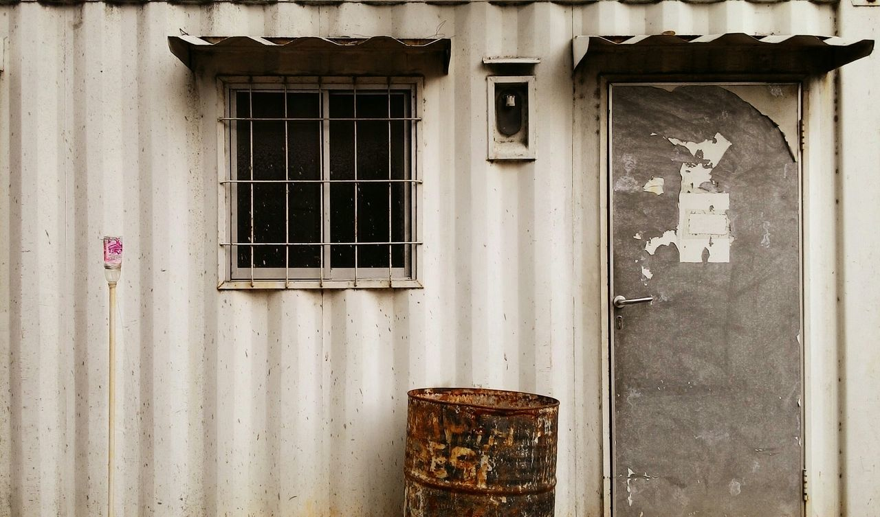 Rusty. Streetphotography Composition Container Rustic