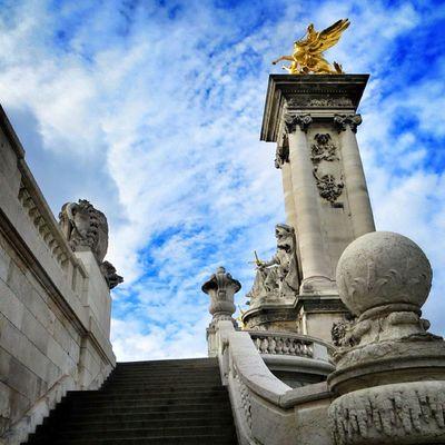 Pont Alexandre lll #Paris Jj_cloudyskies Architecture Paris Statue Gold Igersfrance Igersparis Igworldclub Sky_captures Ic_skies Igworldclub_team World_union Wu_europe World_specialist Ig_captures_sky