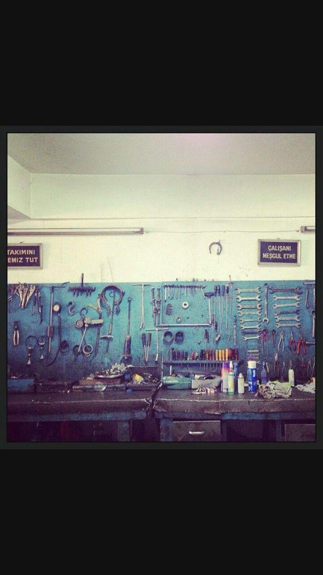 EyeEmbestshots Eyemphotos Eyem Gallery Eyemphotography Eyem Blue IShots Ishoting Old Repairs Apparatus Garaje