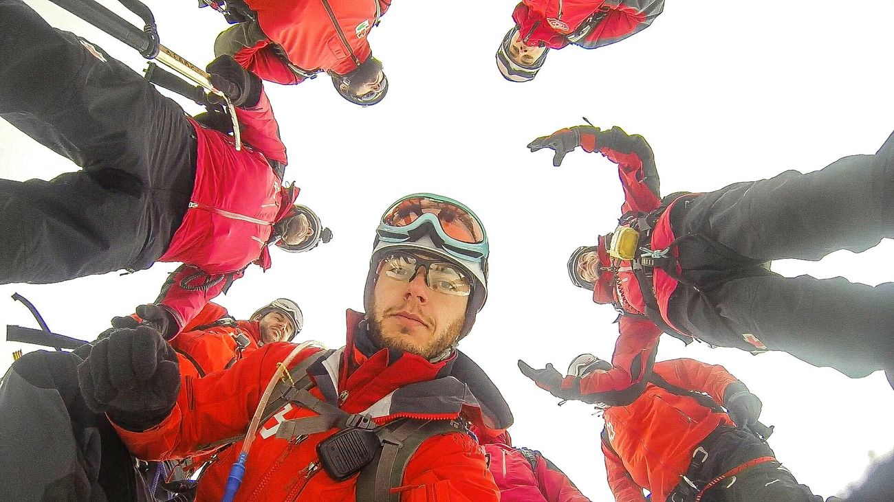 Red Red Cross Rescue RescueLife Enjoying Life Mountains Emergency Rescue Team Team Snow