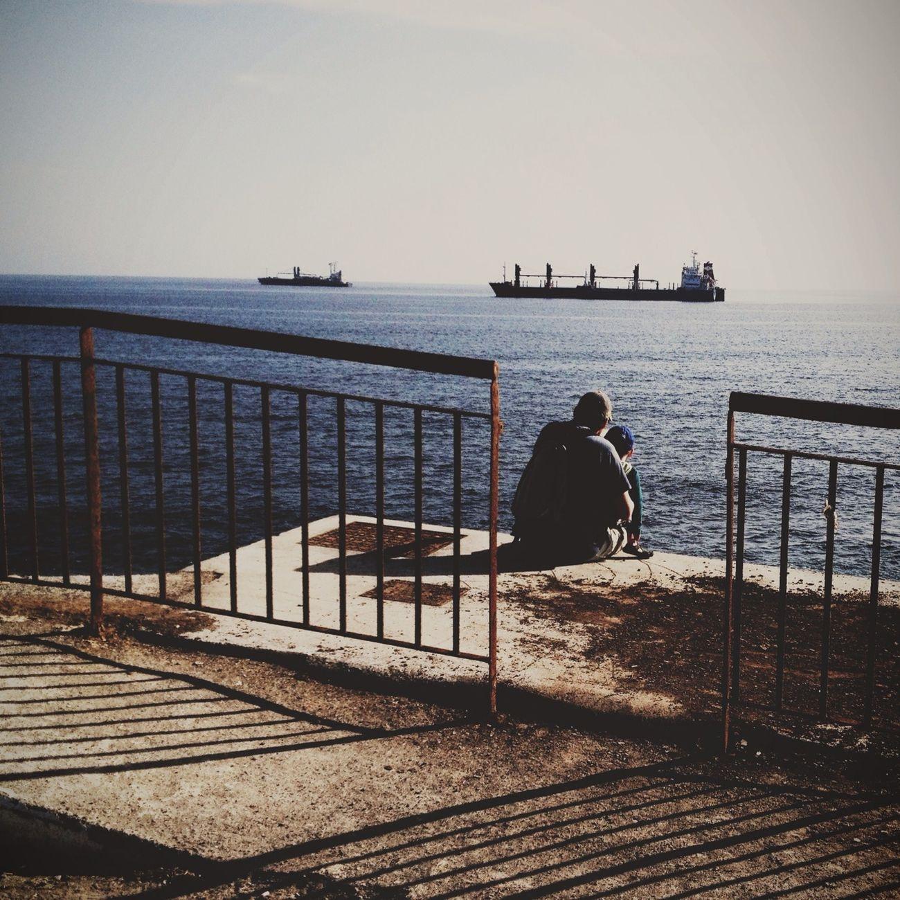 Streetphotography Behindthefence