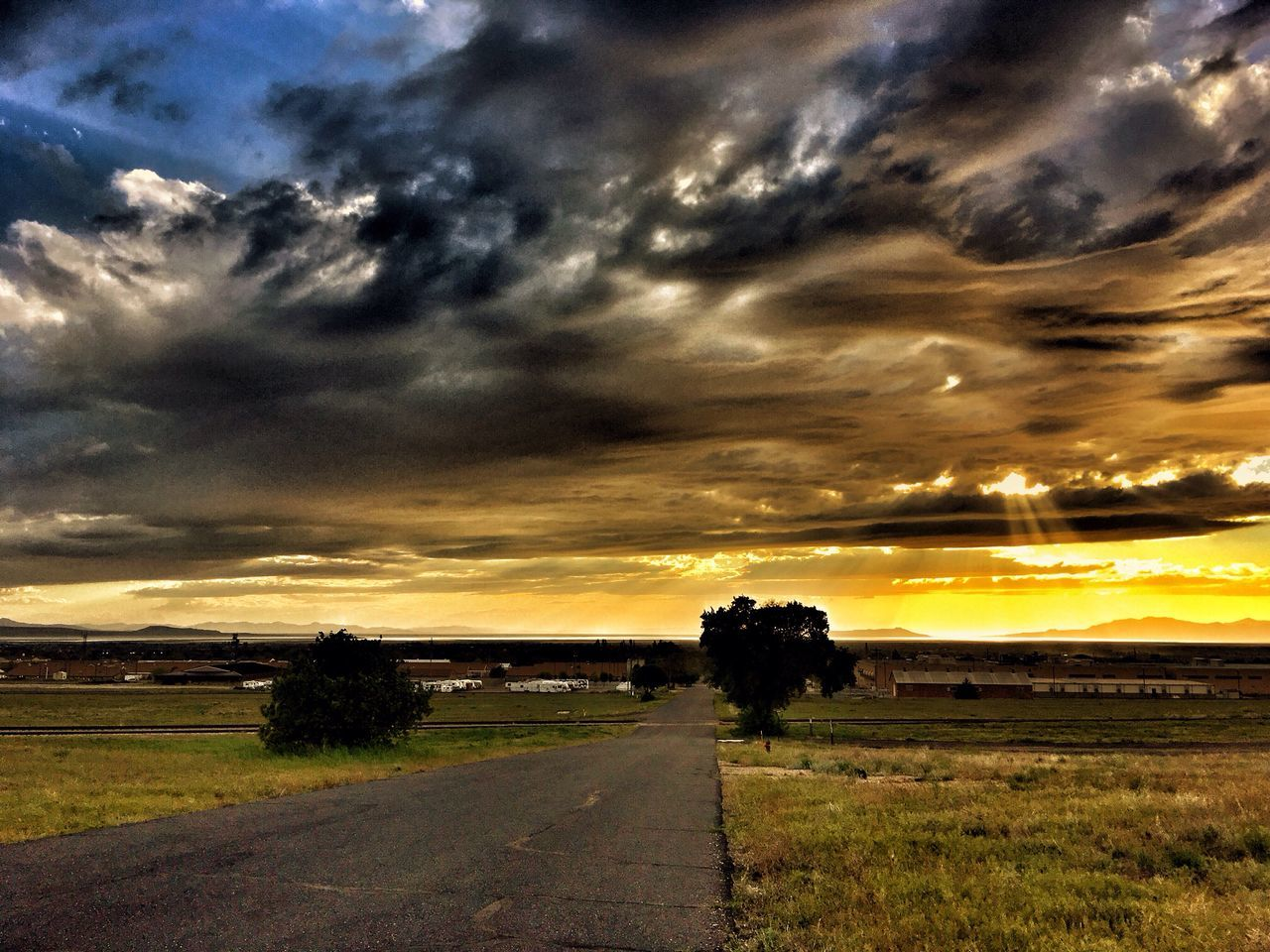 Another fabulous Utah sunset. Sunset The Great Outdoors - 2016 EyeEm Awards Landscape Utah Landscape_Collection Lanscape Photography Hill AFB Landscape_photography Cloud Clouds And Sky Cloudporn