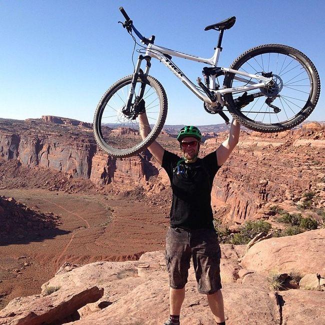 Dirt and rocks. Yay. Trekbikes Fuelex8 Nofilter Droppostsnotbombs