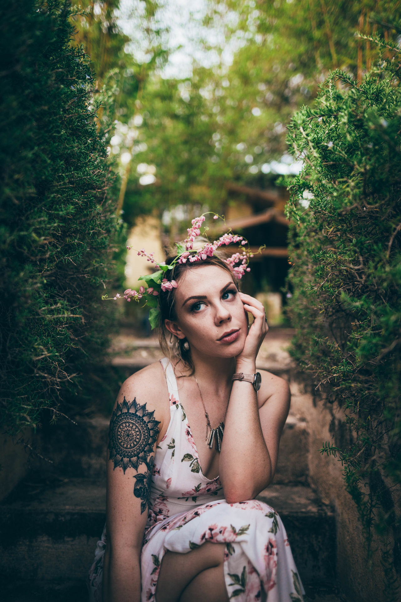 Aspen. Young Adult Beauty Fashion Adult Only Women Adults Only One Young Woman Only People One Woman Only Young Women Beautiful Woman Portrait Old-fashioned One Person Beautiful People Make-up Women Headwear Glamour Nature Live For The Story The Portraitist - 2017 EyeEm Awards