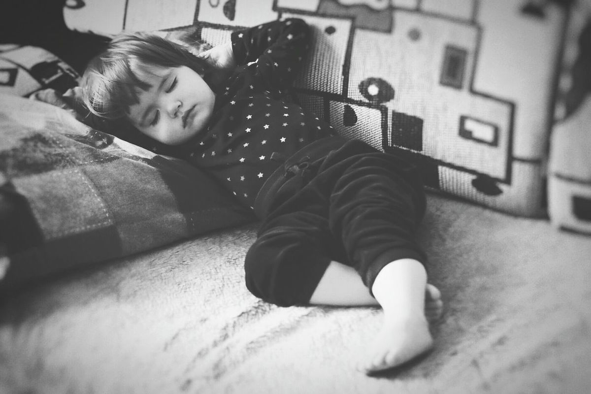 Baby Girl Baby Small Person Portrait Sleeping Resting Laying Down Relaxing Relaxed Child Kid Black And White Monochrome Kids Portrait Kids Kids Being Kids Kids Of EyeEm Nap Having Nap Feeling Comfortable