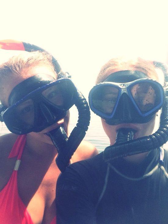Hello World Snorkling Enjoying The Sun Thailand