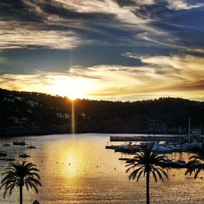 Don't let the sun, going down on me. Endlesssummer Lifeisgood Portdesóller Mallorca Baleares Spain Sunset