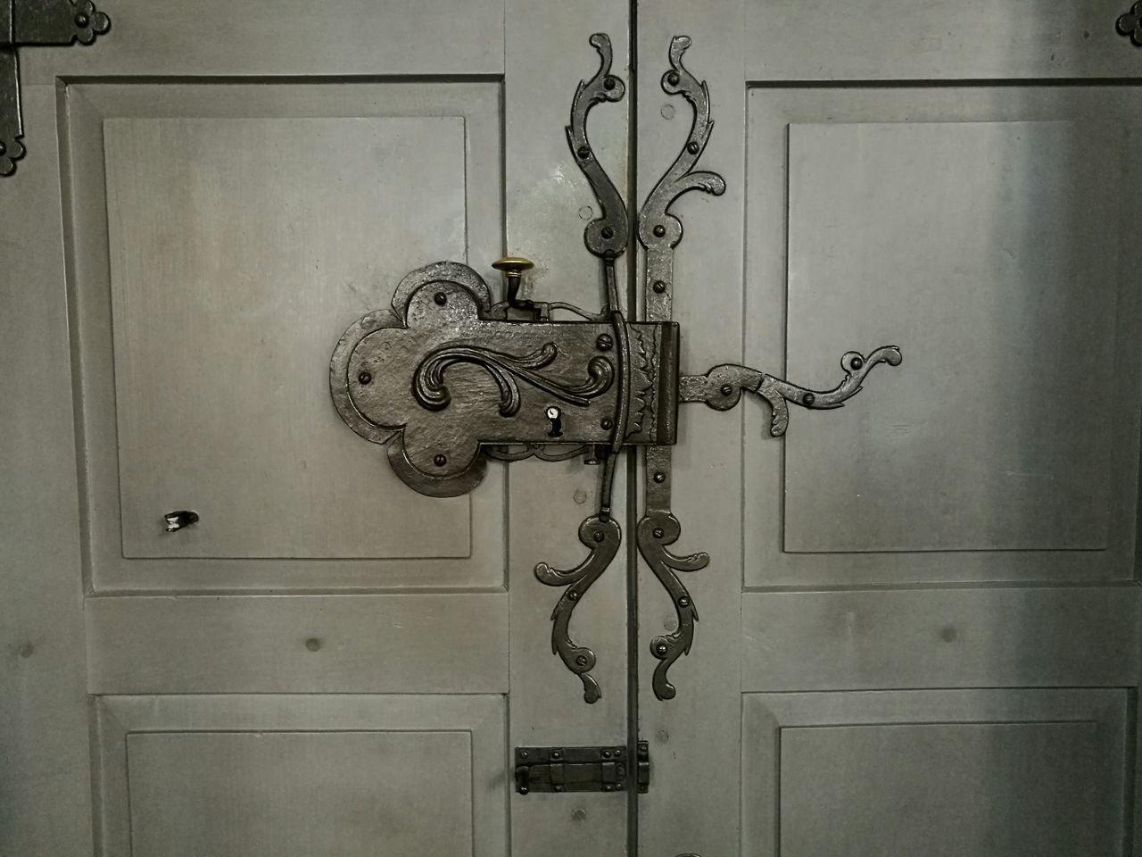 door, closed, door knocker, metal, design, close-up, safety, no people, full frame, outdoors, day