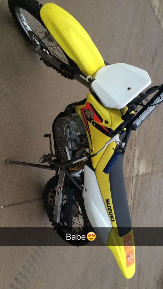 Winter can end at any time please Summertime Dirtbike She's Small Motochick Bike 125cc  Suzuki