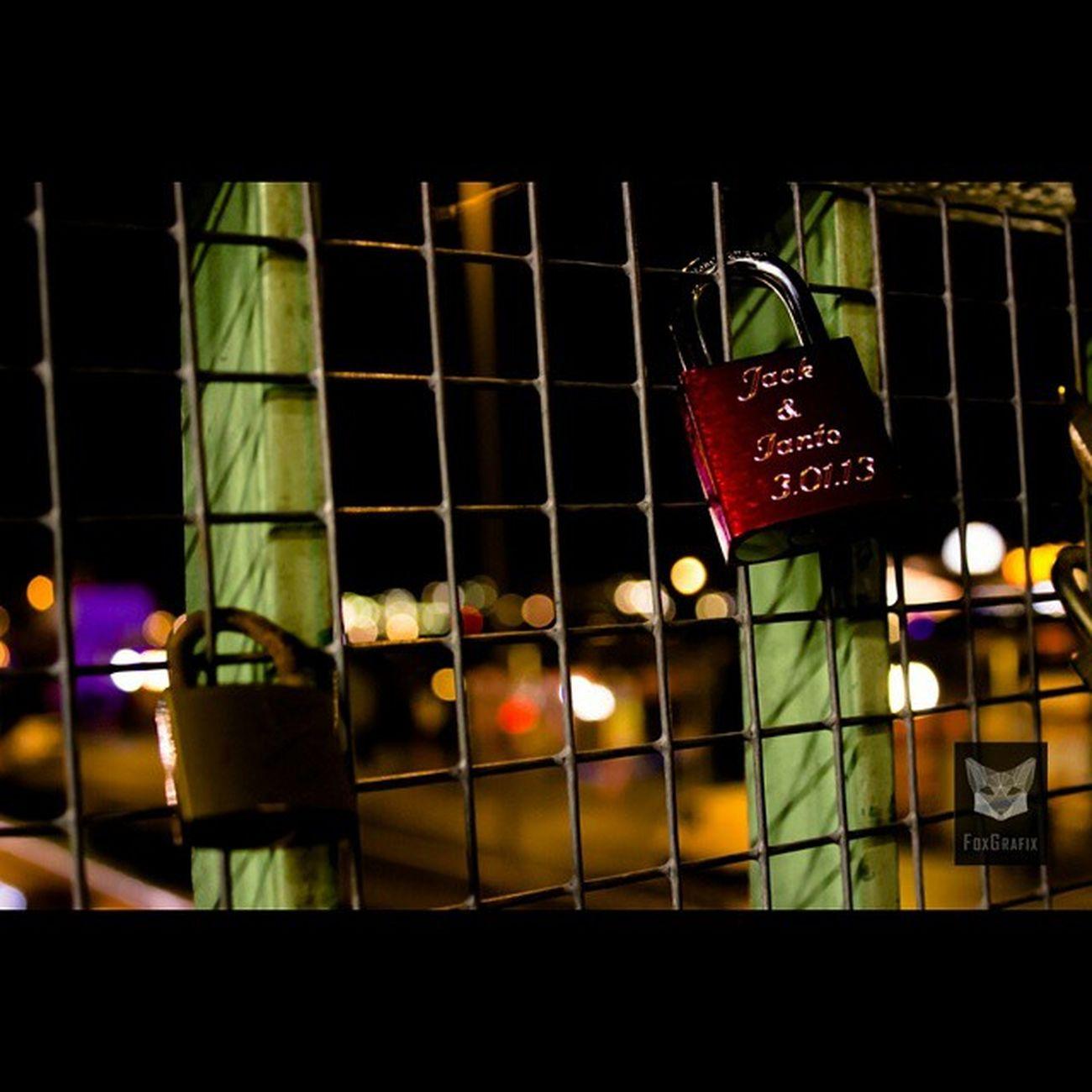 Schloss Jack + Ianto / Padlock Jack + Ianto Landungsbrücken Hamburg Hamburg Fotografie Torchwood Janto Iantojones Jackharkness Captainjackharkness Landungsbrücken  Padlock