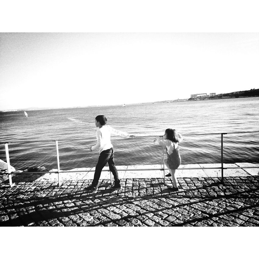 Lisboa Portugal Kids Notes From The Underground Popular Photos Monochrome _ Collection Notes From The Upperground Light And Shadow Eyeem Popular Photos Streetphotography Blackandwhite Photography