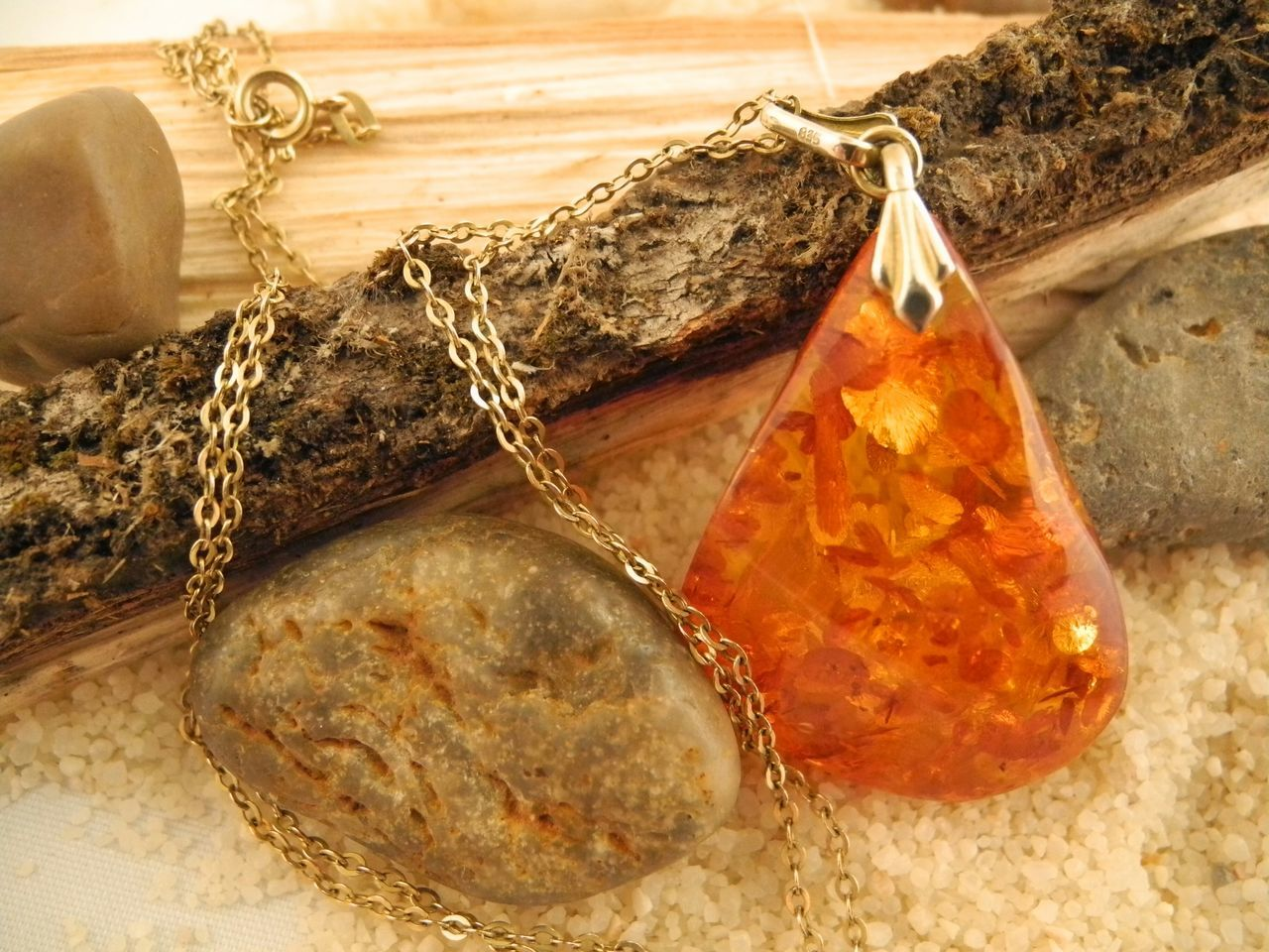 Jewellery Amber Gold Necklace