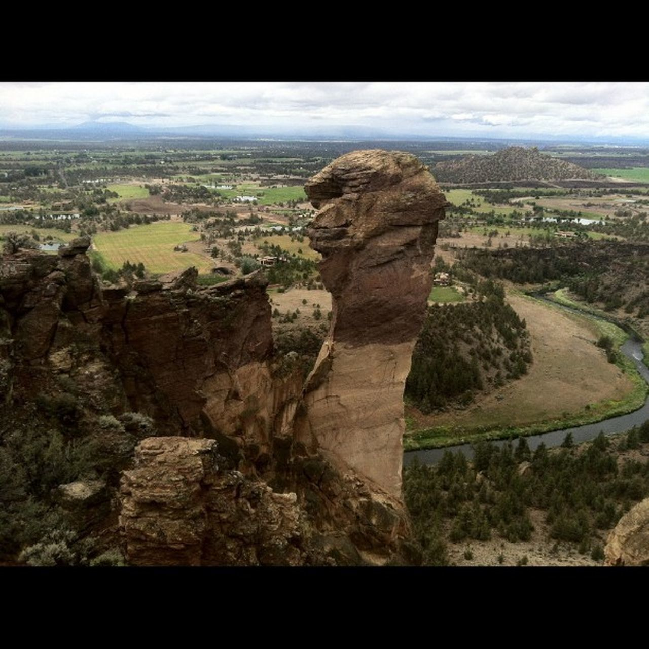 Canon_photos Natgeotravel Smithrock RockClimbing Climbing_pictures_of_instagram Rei1440project Greettheoutdoors Lumiaphotography Spreadingthestoke LiveYourAdventure Visitbend Bendoregon BestOfOregon Bestofnorthwest Bestmountainartists Cascadiaexplored Discoveroregon ExploreOregon Oregonexplored PNWonderland Pnwcollective Upperleftusa Epic_captures Myawaycontest