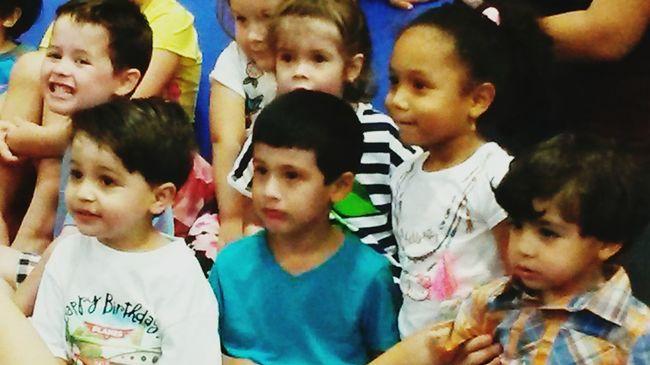 Hispanic Children South Florida Paying Attention
