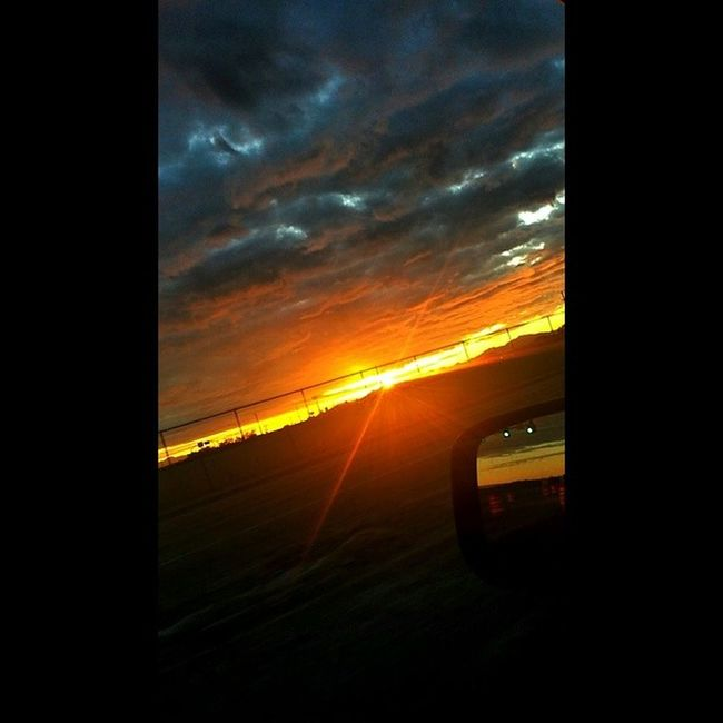 ..I wish I wasnt driving when I took this..probably would've captured more..but the camera can never really embrace what the eyes behold. Eyewitness BeUTAHful