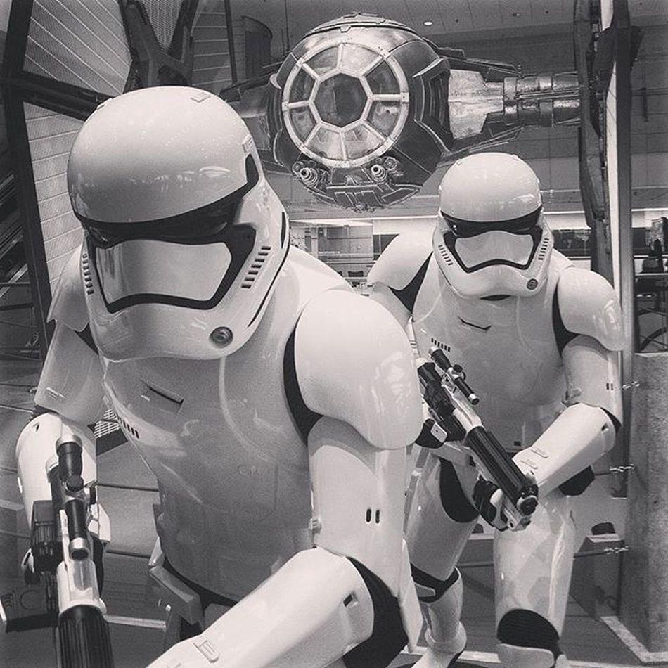Tie fighter Starwars Galaxy Darkside Empire Stormtroopers Hollywood Film MOVIE Scifi Singapore Changiairport Exhibition Model Instatravelling Instaphoto Instagram Travel Wunderlust Black White Costume