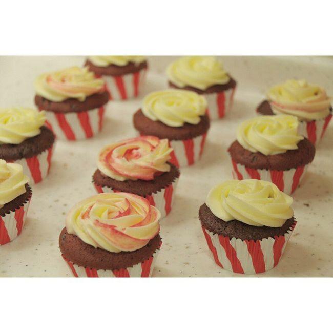 Red Velvet Cupcakes by Me Strawberryredvelvet Redvelvetcupcakes Wiltoncupcakeliners Wilton Cupcake Colors Baking Cupcakes Cupcake Time Yummy Cupcakes Red Redvelvet