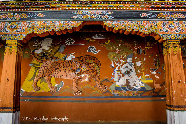 Carving and Painting.... 700D Canon Canon Photography Bhutan Bhutanese Architecture Bhutanese Culture Bhutandiaries Colors Ornamentation The Architect - 2017 EyeEm Awards
