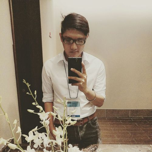 Conference introduction about Midas software... Checking In Lifestyle Hi! FreeTime Vietnameseboy Cute Boy Vietnamese Saigon BoysBoysBoys Boy