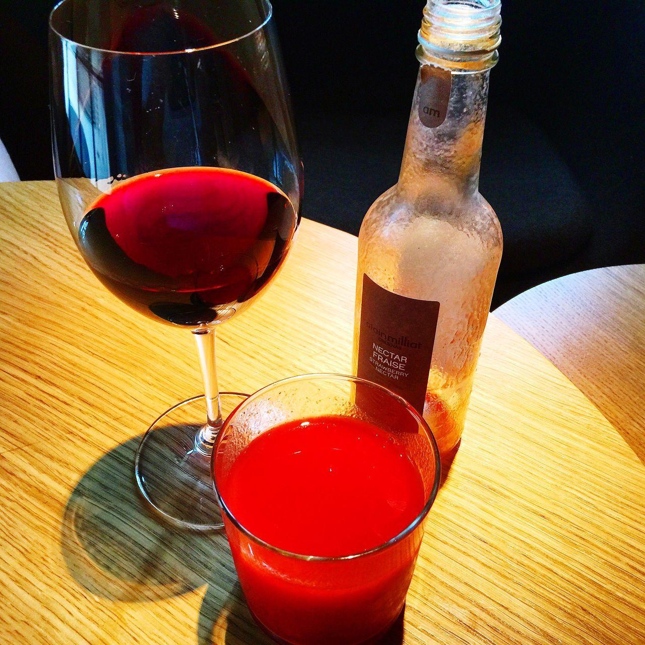 Wine Bar Wine Tasting Wine Red Wine Vin Vin Rouge Fraise Strawberry Strawberry Smoothie Friends